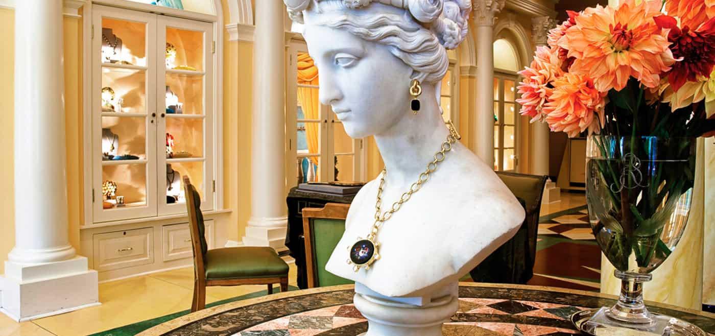 Elizabeth Locke, the person behind wearable history